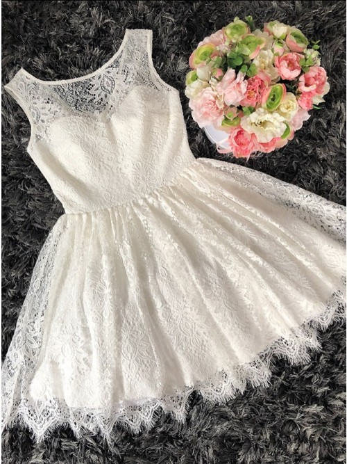 A-Line Scoop Sleeveless White Lace Homecoming Dress