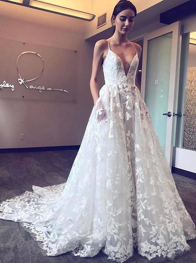 Beach A-Line Spaghetti Straps Lace Wedding Dress with Pockets