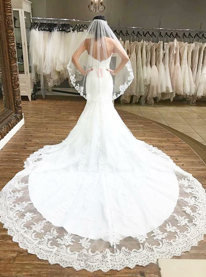 Mermaid Sweetheart Backless Chapel Train Wedding Dress with Appliques