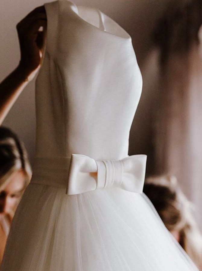 Ball Gown Bateau Sweep Train Backless Wedding Dress with Bowkont