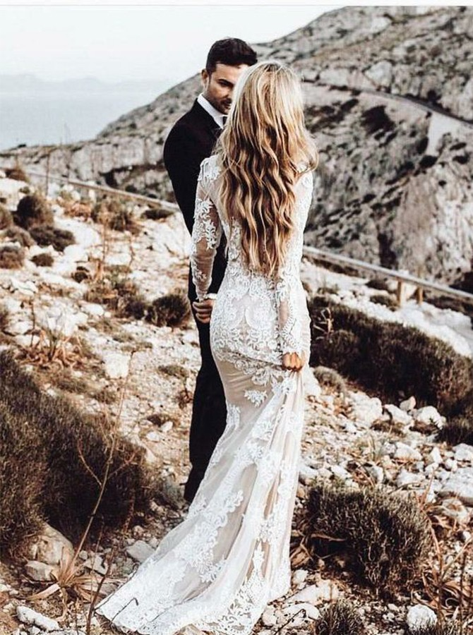 Vintage Mermaid Round Neck Long Sleeves Wedding Dress with Lace Applique