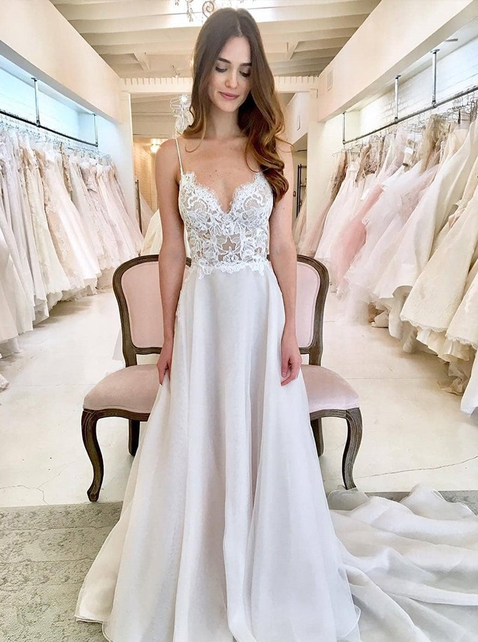Beach A-Line Spaghetti Straps Court Train White Chiffon Wedding Dress with Appliques