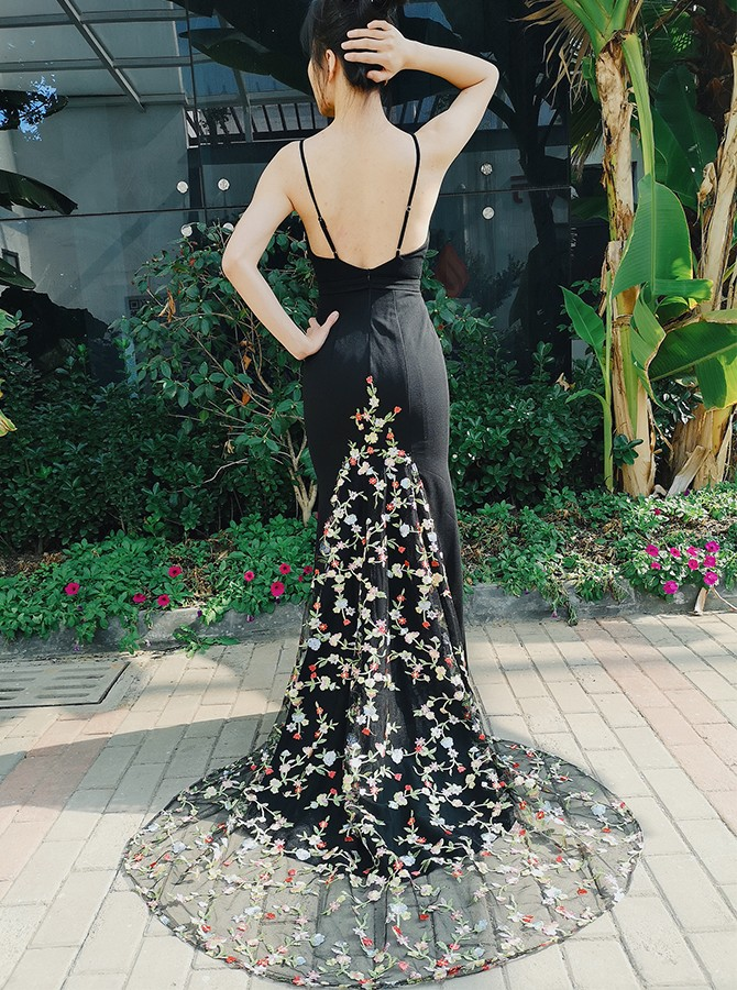 Spaghetti Straps Backless Mermaid Long Black Prom Dress with Embroidery