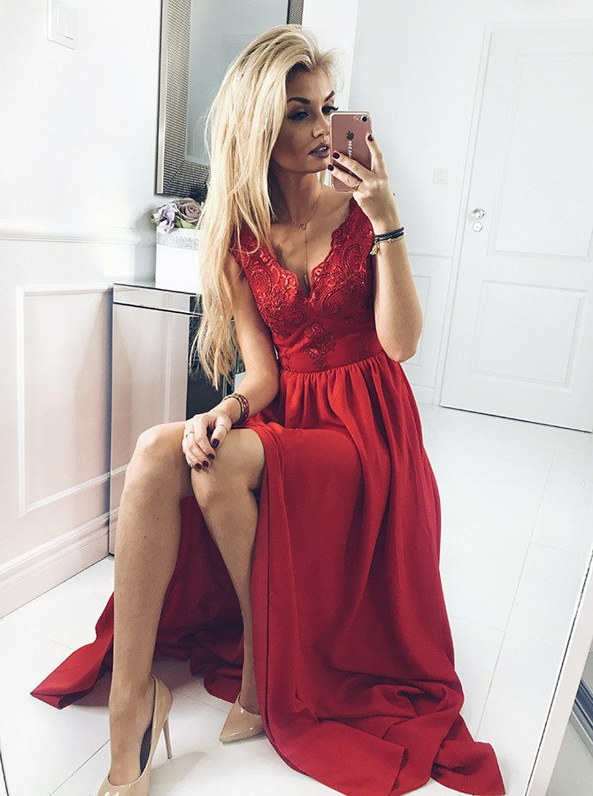 A-Line V-Neck Red Chiffon Prom Dress with Appliques Beading Split