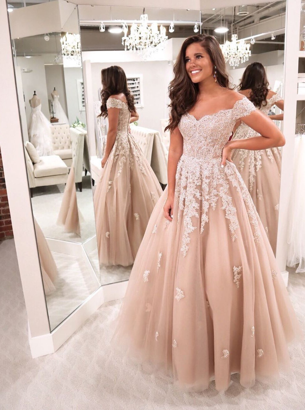 Modest Off Shoulder Champagne Floor-Length Prom Evening Dress with Appliques