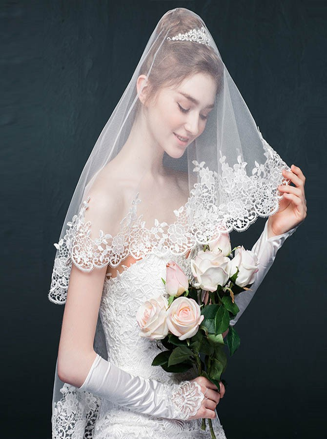 Two Tier Mantilla Bridal Veil with Lace