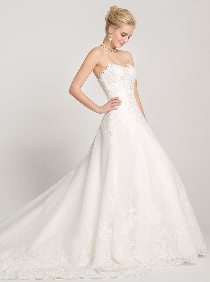 A-Line Sweetheart Court Train White Wedding Dress with Appliques Beading