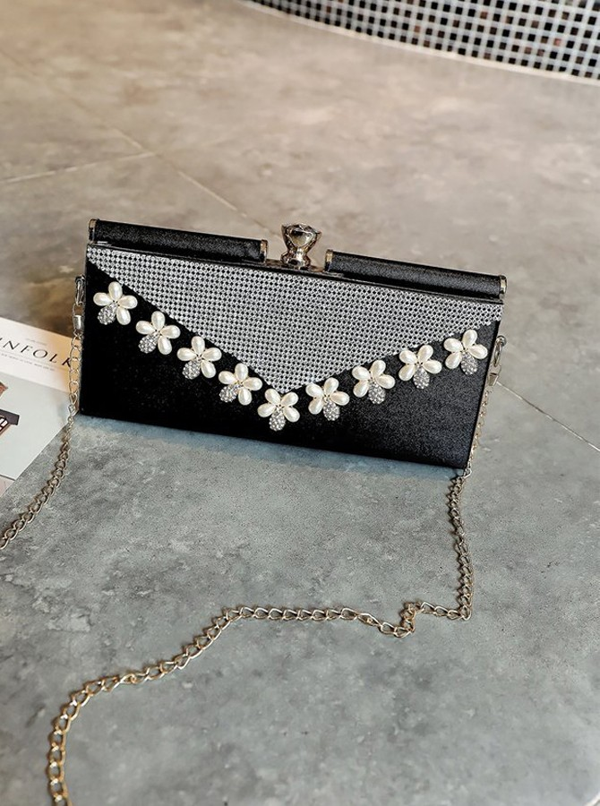 Black Beaded Pearl Clutch