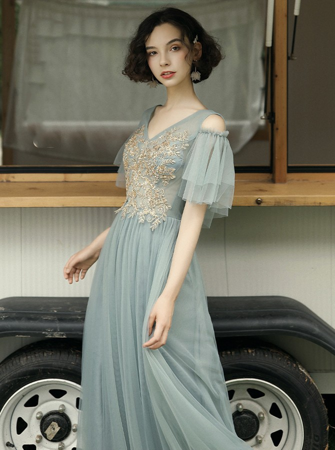 Elegant V-neck Grey Tulle Floor-Length Bridesmaid Prom Evening Party Dress with Appliques