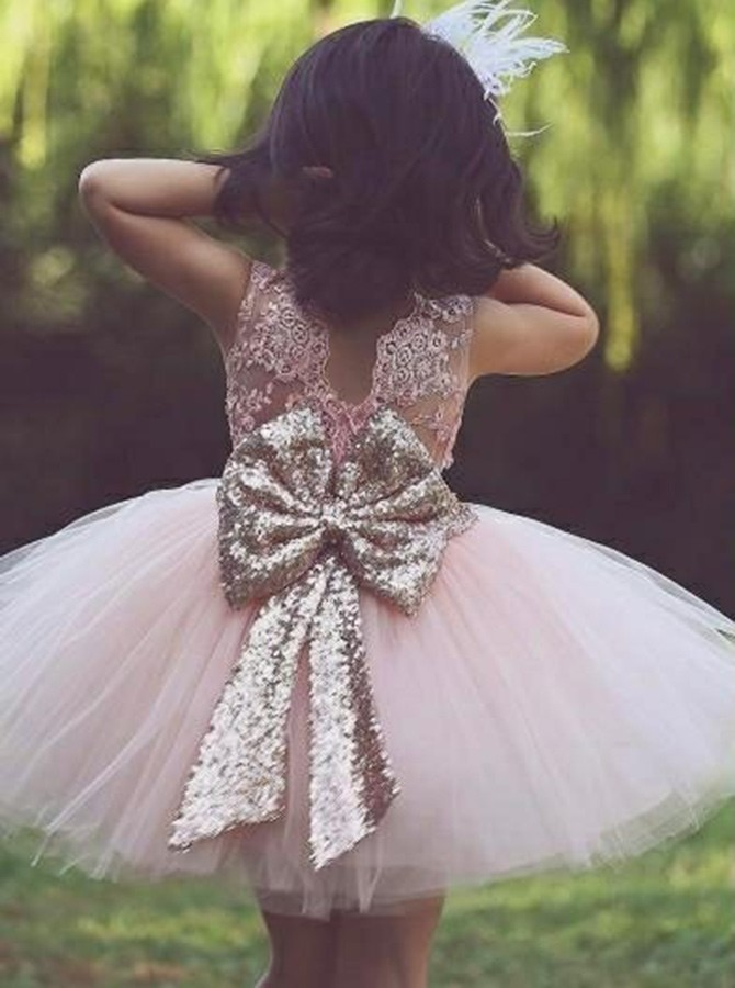 A-Line Round Neck Pink Flower Girl Dress with Appliques Lace Bowknot