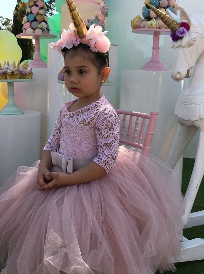 Ball Gown Scoop Half Sleeves Flower Girl Dress with Lace Bowkont