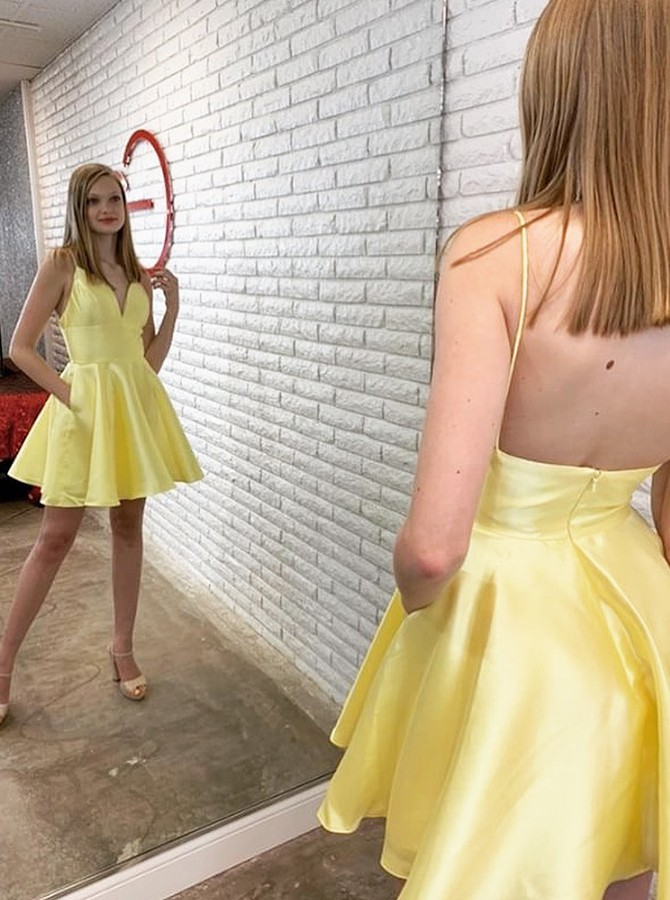 A-line V-neck Short Homecoming Dress Yellow Party Dress with Pockets