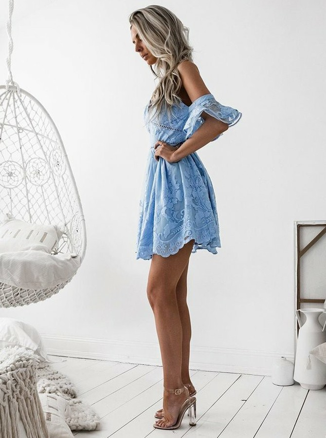 A-Line Spaghetti Straps Short Sky Blue Lace Homecoming Dress with Ruffles