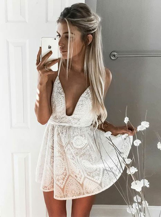 A-Line Spaghetti Straps Backless Short White Lace Homecoming Dress
