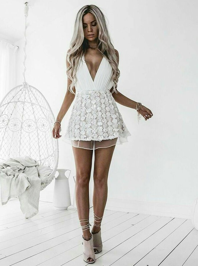 A-Line Deep V-Neck Short White Chiffon Homecoming Cocktail Dress with Appliques