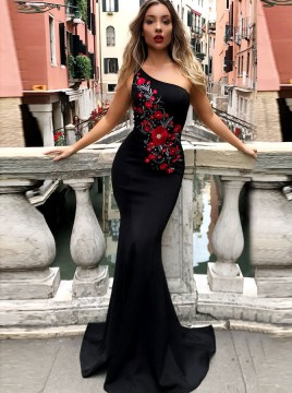 Mermaid One-Shoulder Sweep Train Black Prom Dress with Appliques
