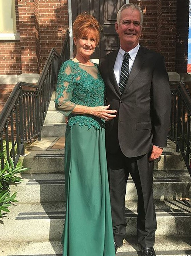 Sheath Scoop 3/4 Sleeves Dark Green Mother of the Bride Dress with Lace