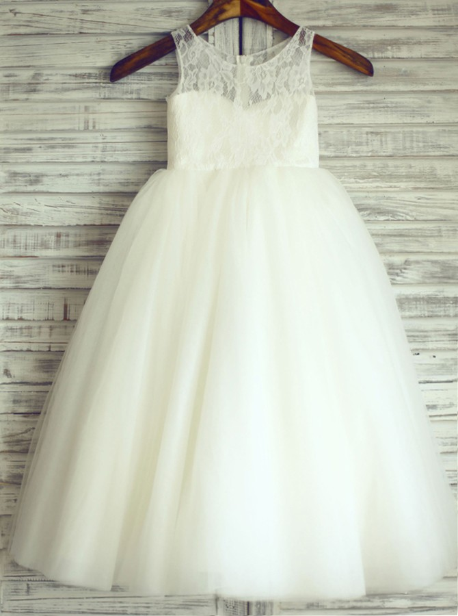 A-Line Round Neck White Tulle Flower Girl Dress with Lace