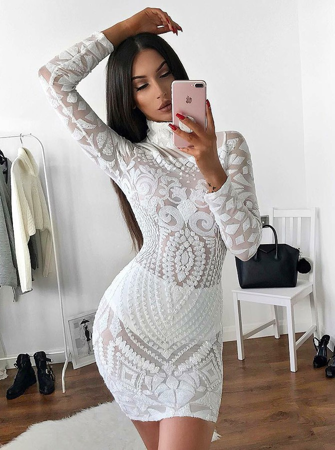 Sheath High Neck Lace Short Cocktail Dress with Long Sleeves