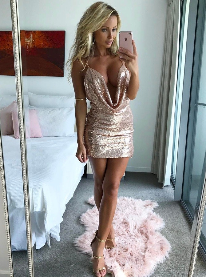 Sheath Deep V-Neck Backless Short Pink Sequined Homecoming Cocktail Dress