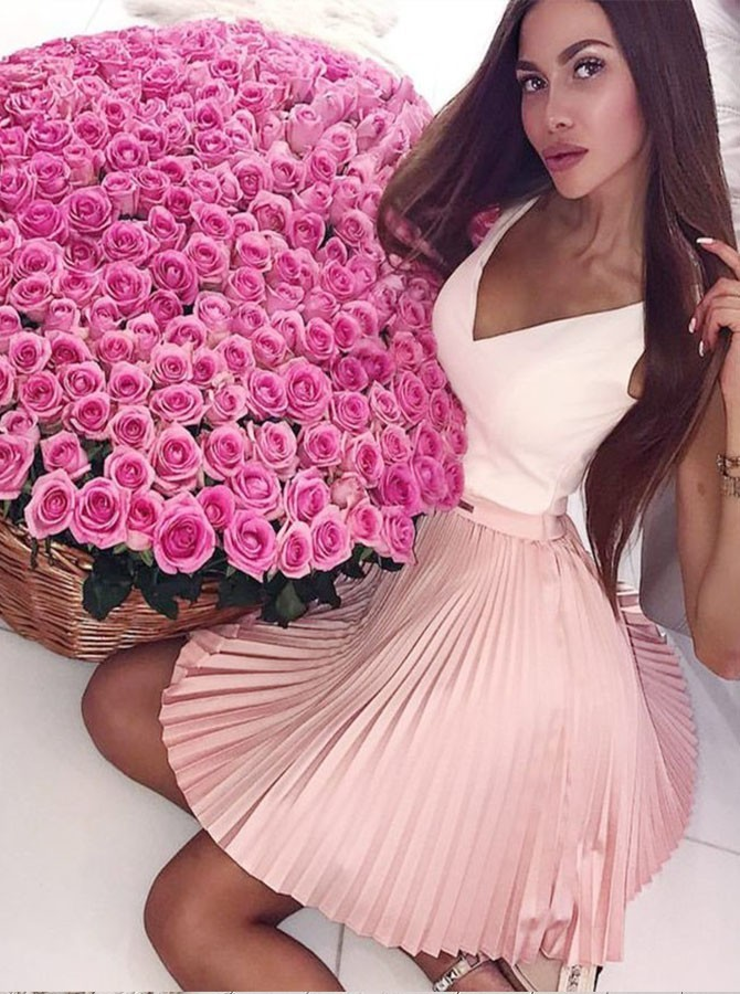 A-Line V-Neck Short Pink Homecoming Dress with Pleats Beading