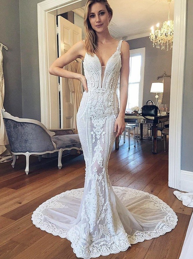 Mermaid V-Neck Backless Train Court Train White Wedding Dress with Appliques