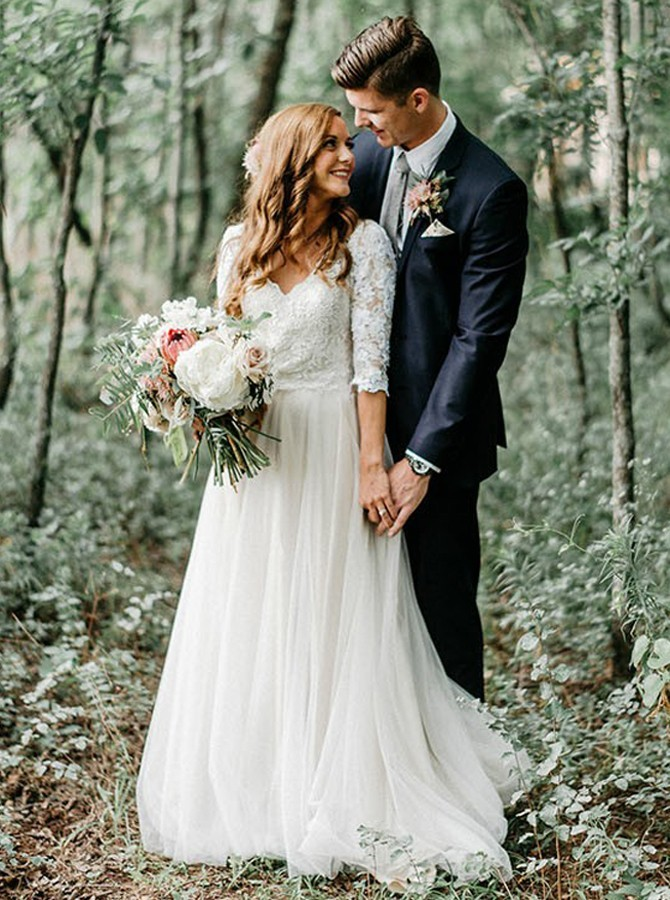 A-Line V-Neck Half Sleeves Backless Tulle Wedding Dress with Appliques