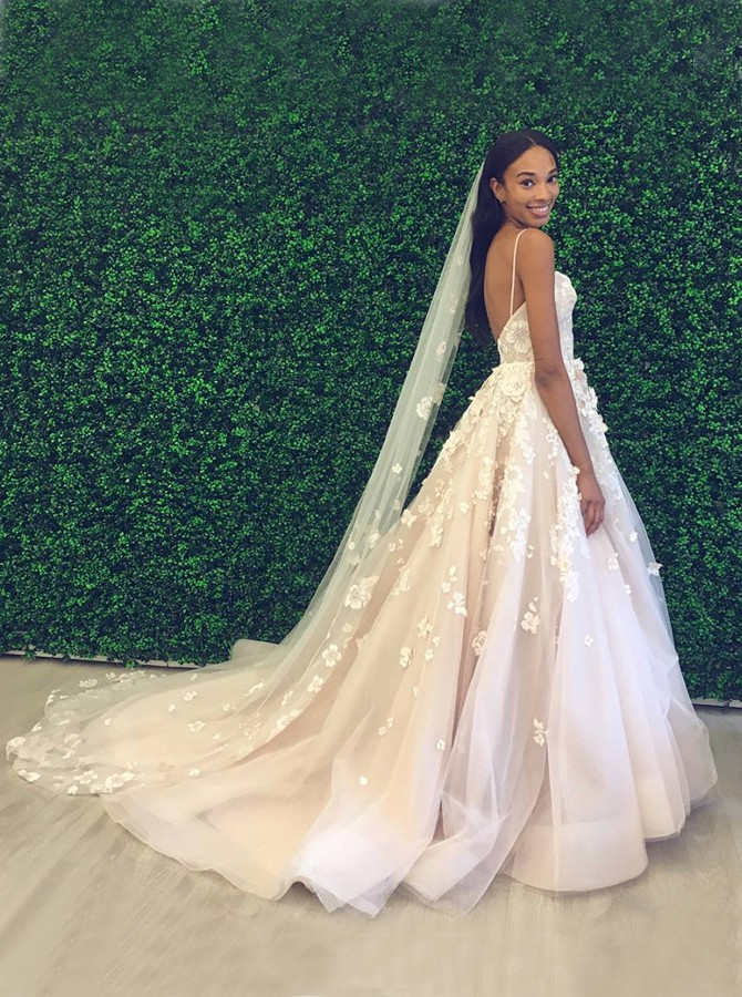 A-Line Backless Court Train White Wedding Dress with Appliques