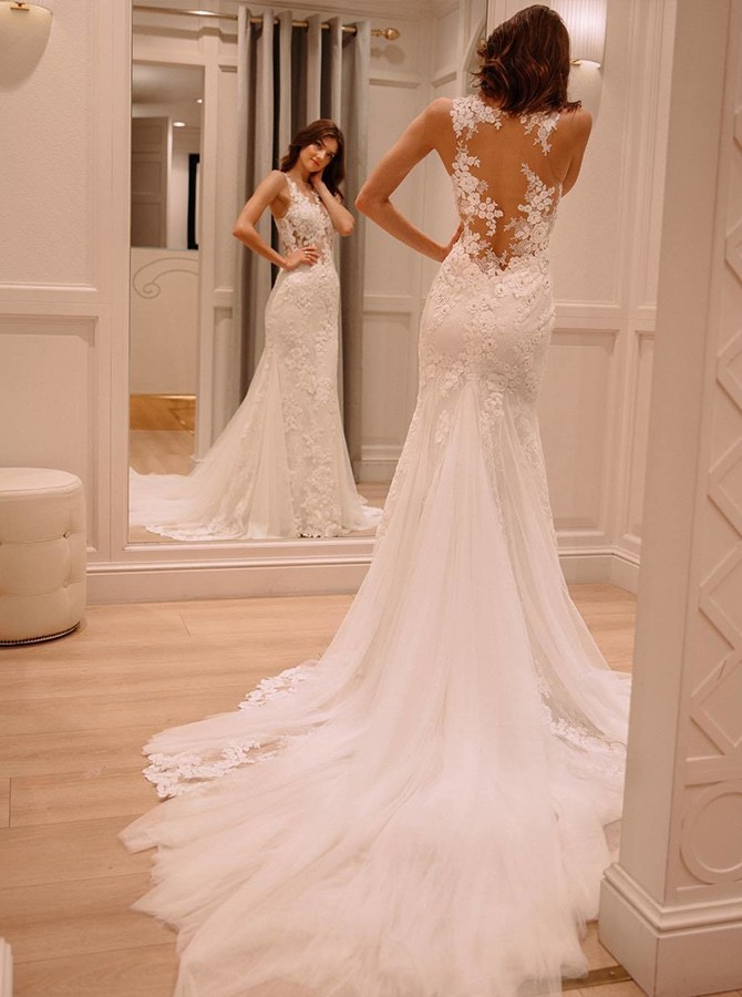 Elegant Mermaid Court Train V-Neck White Tulle Wedding Dresses with Lace