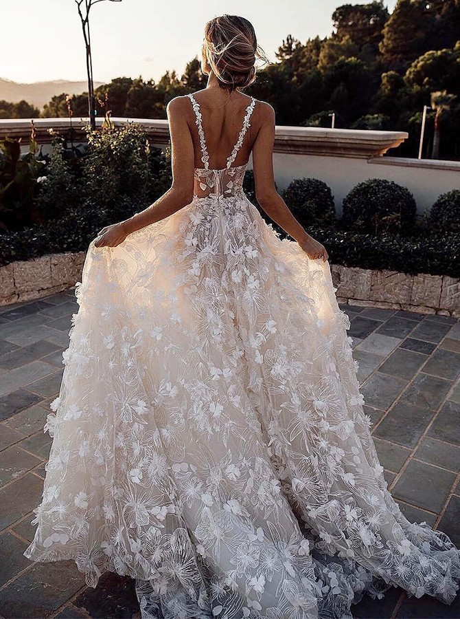 A-Line Straps Sleeveless Sweep Train Lace Wedding Dress with Appliques