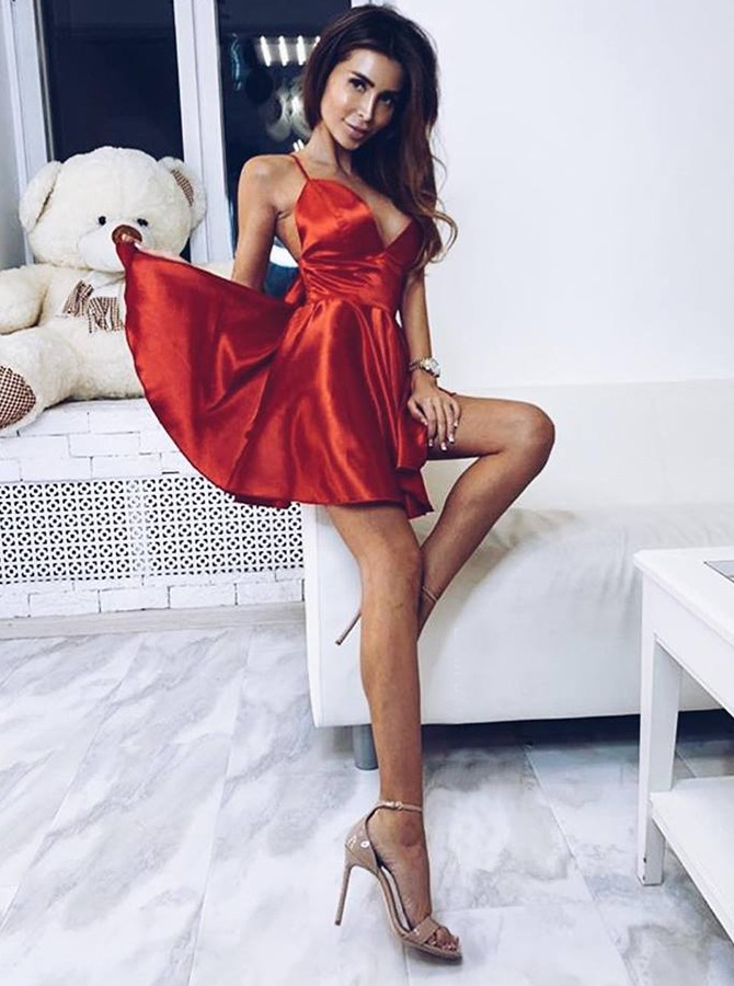A-Line Spaghetti Straps Red Homecoming Dress Short Cocktail Dress with Bowknot