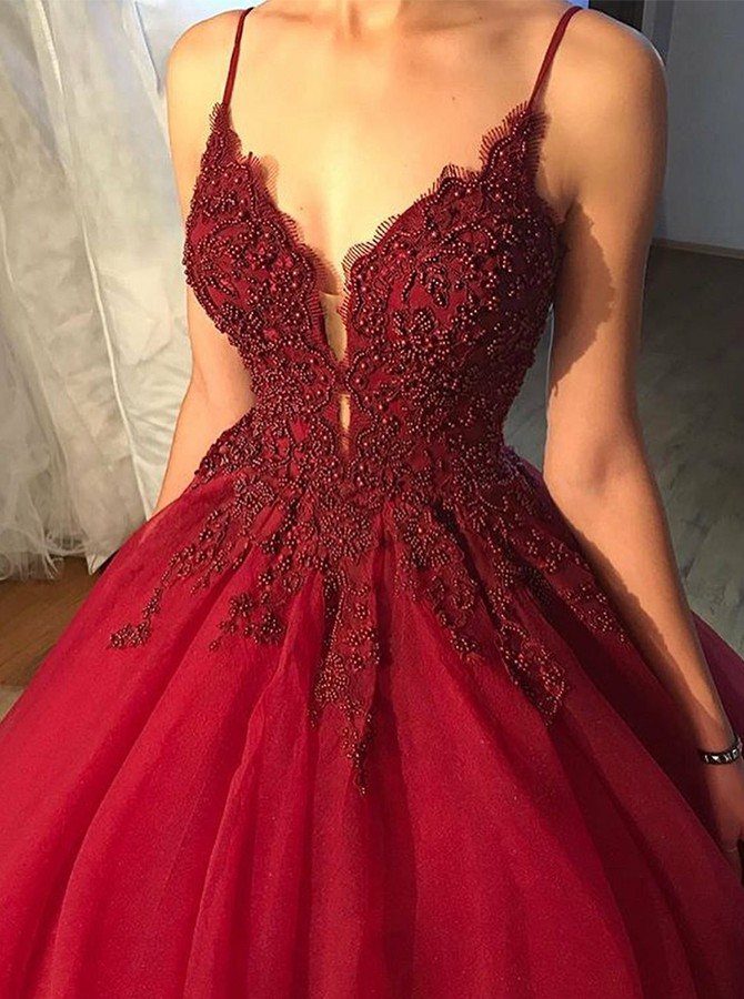 Ball Gown Spaghetti Straps Floor-Length Appliques Beading Prom Dress