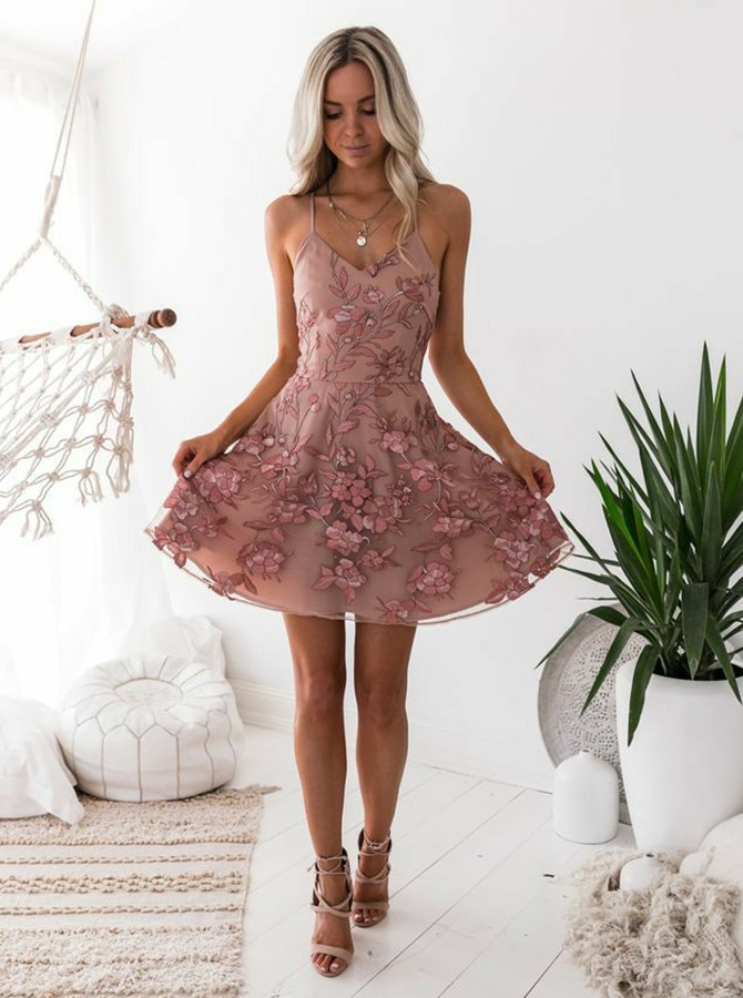 A-Line Spaghetti Straps Above-Knee Blush Prom Homecoming Dress with Appliques