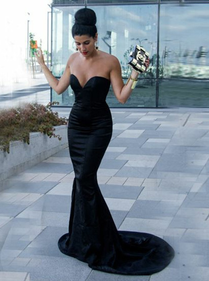 Mermaid Sweetheart Backless Sweep Train Black Elastic Satin Prom Dress
