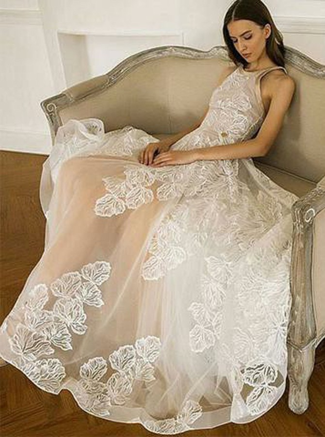 A-Line Round Neck Floor-Length White Organza Prom Dress with Appliques