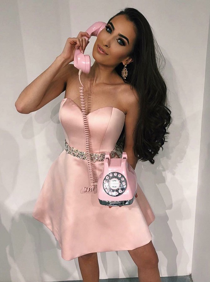A-Line Sweetheart Short Pink Prom/Homecoming Dress with Beading