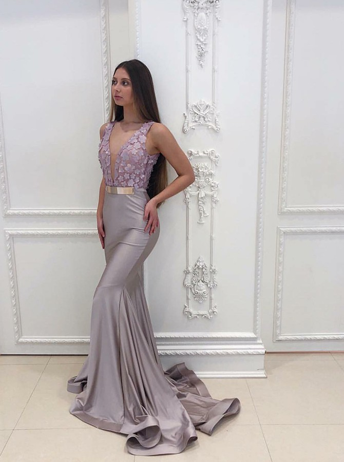 Mermaid V-Neck Sweep Train Grey Prom/Evening Dress with Appliques