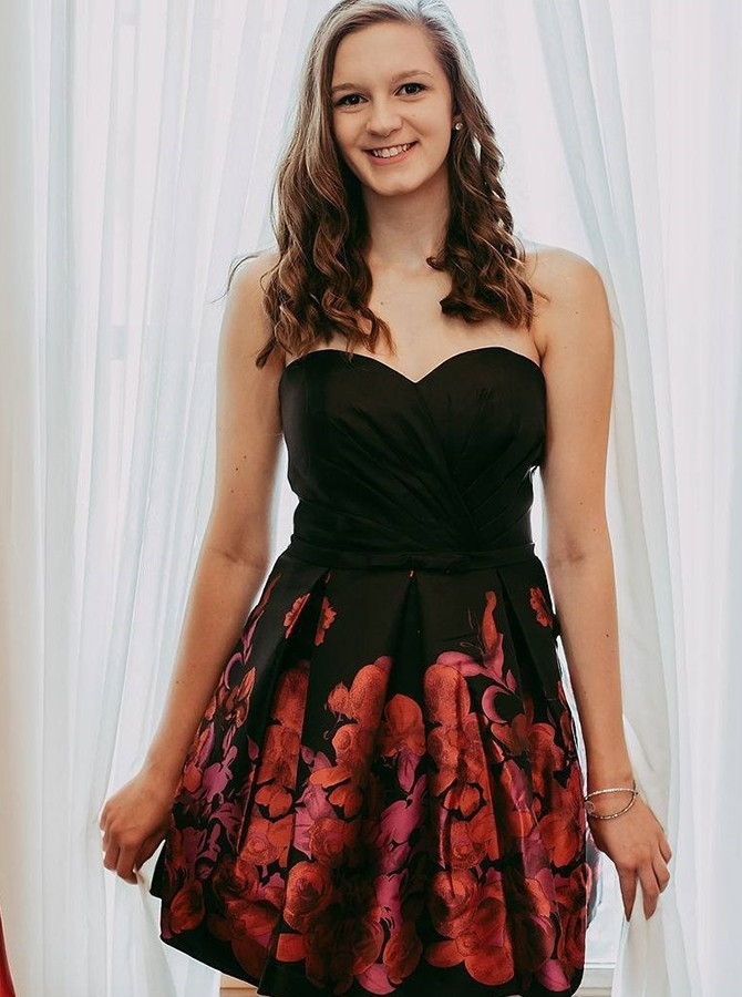 A-Line Sweetheart Printed Short Satin Black Homecoming/Prom Dress