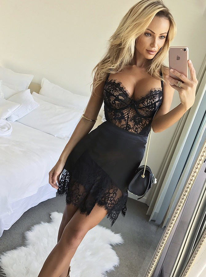 Sheath Spaghetti Straps Short Black Cocktail Dress with Lace