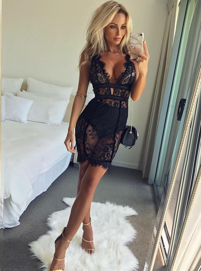 Sheath Deep V-Neck Short Black Cocktail Dress with Lace