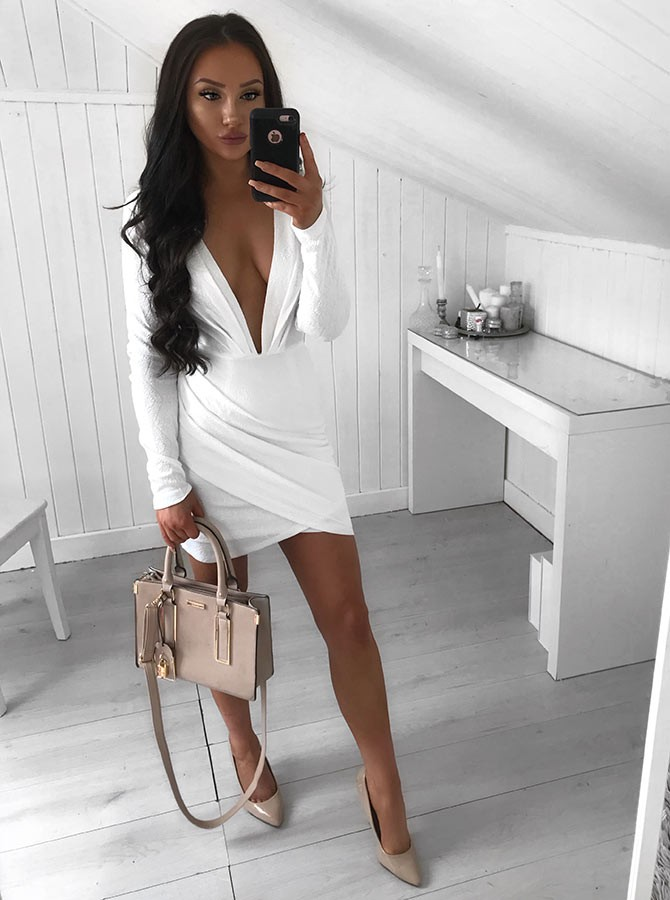 Sheath Deep V-Neck Long Sleeves Short White Homecoming Cocktail Dress with Ruched