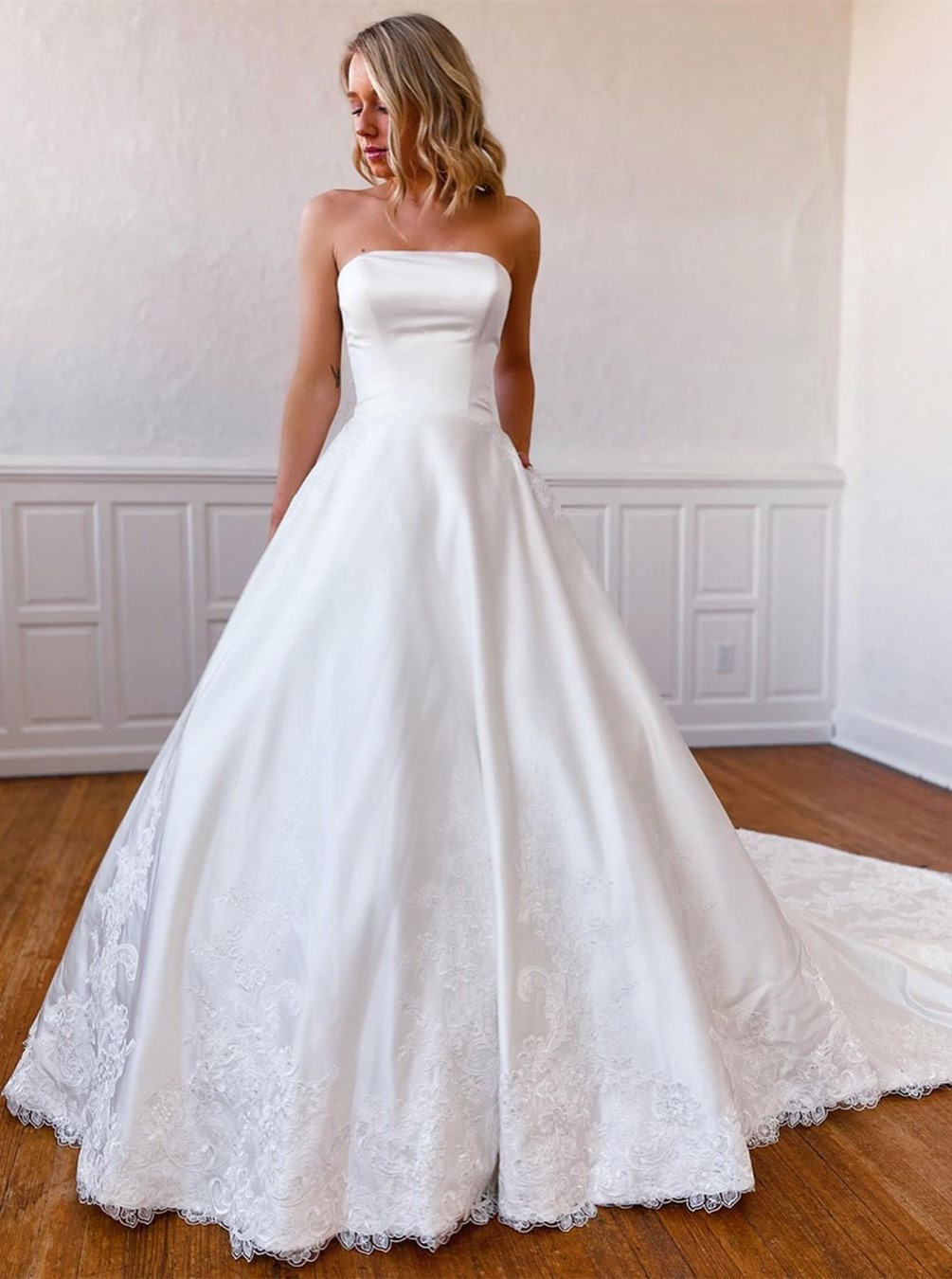 Elegant Strapless Sweep Train Beach Wedding Dress with Appliques Pockets