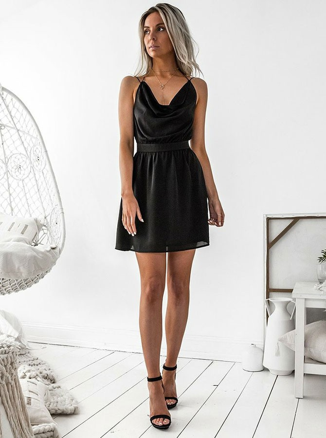 A-Line V-Neck Backless Short Black Chiffon Homecoming Dress
