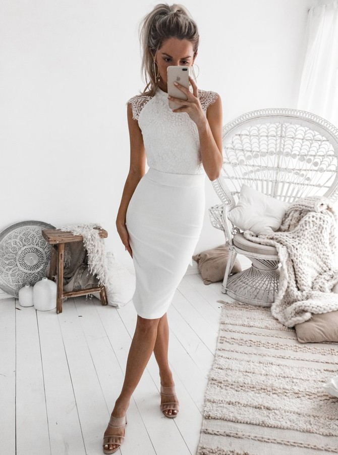 Sheath Jewel Knee-Length White Homecoming Cocktail Dress with Lace Bodice